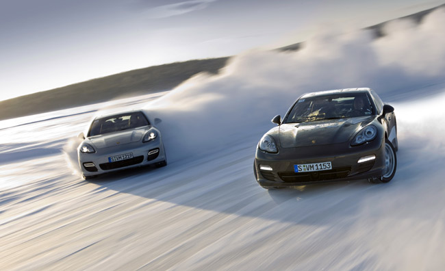 Porsche Panamera's drifting in snow