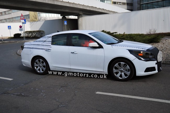 Spy Shots: 2012 Chevrolet Epica/Malibu Prototype