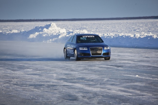 Nokian Tyres ice speed record with an Audi RS6 - driver Janne Laitinen
