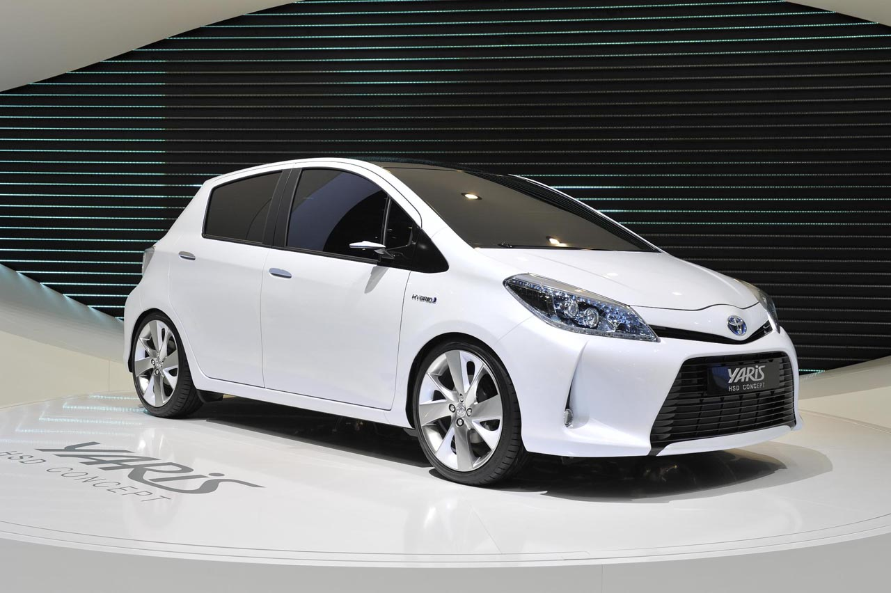 toyota yaris hsd concept live in geneva. Black Bedroom Furniture Sets. Home Design Ideas