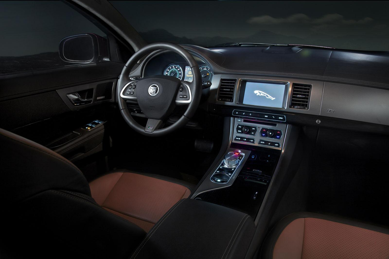 2012 Jaguar XF interior