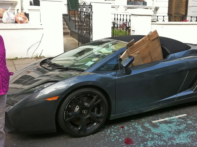 Lamborghini Gallardo Spyder damaged in London riots