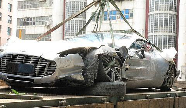 First Aston Martin One-77 Crashes In Hong Kong