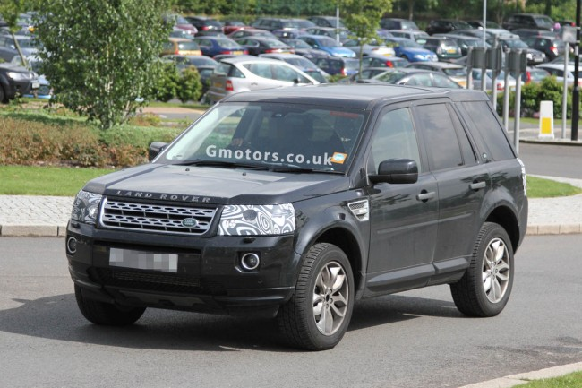 2013 Land Rover Freelander Facelift Spied