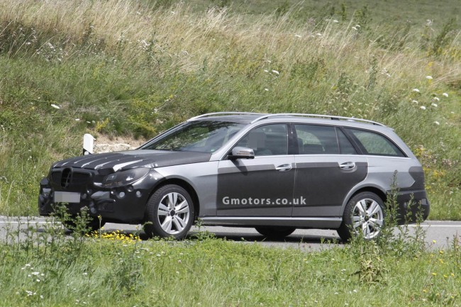2013 Mercedes-Benz E-Class Estate Facelift Caught Less Disguised