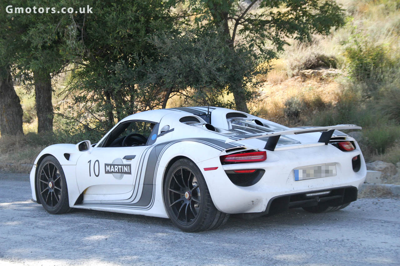 porsche 918 spyder in martini livery. Black Bedroom Furniture Sets. Home Design Ideas