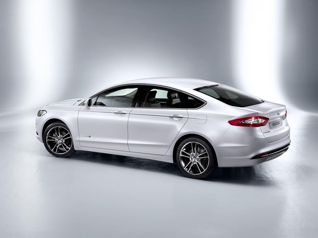 new ford mondeo hybrid. Black Bedroom Furniture Sets. Home Design Ideas