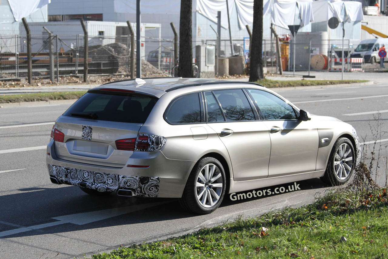 2013 bmw 5 series touring rear side. Black Bedroom Furniture Sets. Home Design Ideas