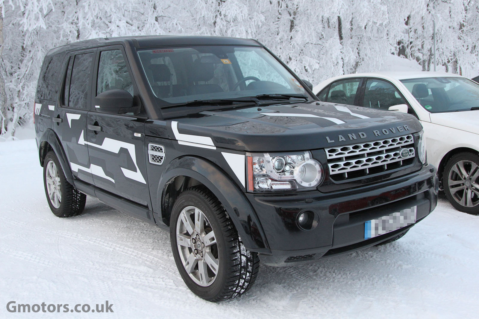 2013 - [Land Rover] Discovery IV (2ème restylage) 2015-Land-Rover-Discovery-5-Chassis-Testing-Mule-4