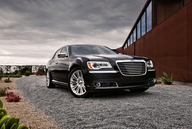 New Chrysler 300 Revealed, World Debut Next Month in Detroit