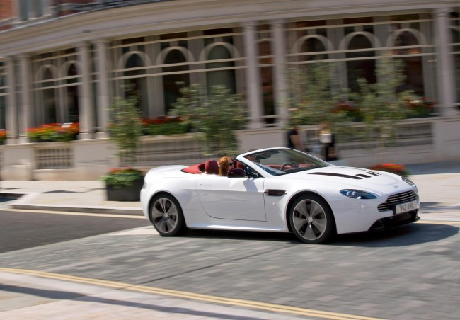 Aston Martin V12 Vantage Roadster – Official Details & New Pictures