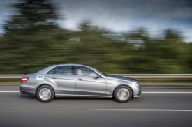 Mercedes E 300 BlueTEC Hybrid Travels 830 Miles On A Single Tank Of Fuel [VIDEO]