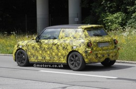 2014 MINI Cooper Interior Spied With Little Disguise