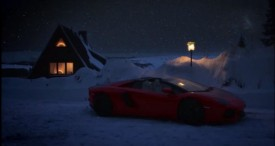 Santa Drives a Lamborghini Aventador Roadster to Deliver Presents [VIDEO]