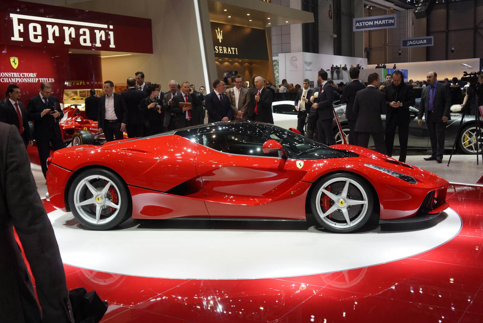 Ferrari LaFerrari live from Geneva