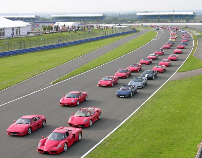 "Over 600 Ferraris Registered For ""Largest Parade Of Ferrari Cars"" – Tickets Now Available"