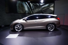Honda Civic Tourer Concept Debuts in Geneva [video]