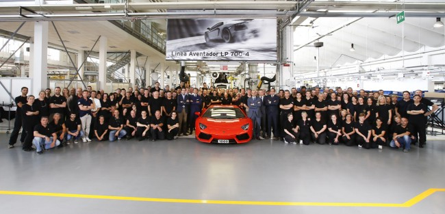 Lamborghini Builds 1000th Aventador LP 700-4