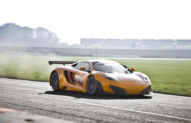 McLaren MP4-12C GT3 Race Car Revealed [VIDEO]