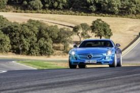 Mercedes SLS AMG Electric Drive on the Ascari Race Track [VIDEO]