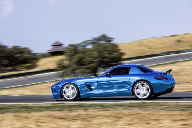 Mercedes SLS AMG Electric Drive Debuts in Paris
