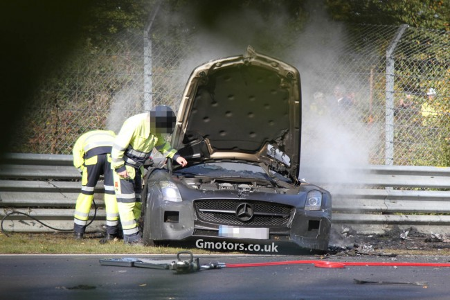 Mercedes-Benz SLS AMG Black Series Crashes on the Nrburgring and Burns to the Ground