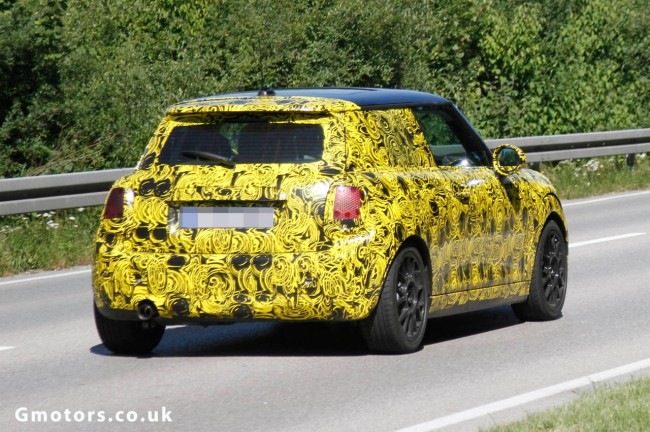New MINI Cooper Spied Again – Reveals New Tail Lights