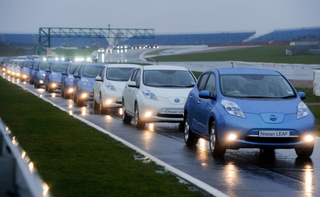 Nissan LEAFs set record for the largest parade of electric vehicles
