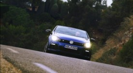 2013 Volkswagen Golf VI R Cabrio revealed [video]