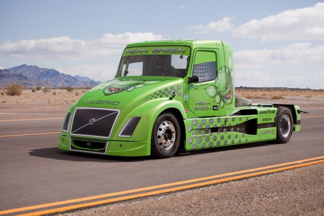 Volvo's Hybrid Truck 'Mean Green' Sets A New World Speed Record [video]