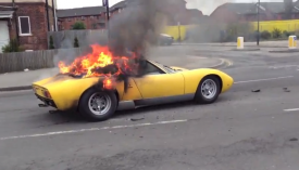 Very rare Lamborghini Miura SV burns to the ground in central London [video]
