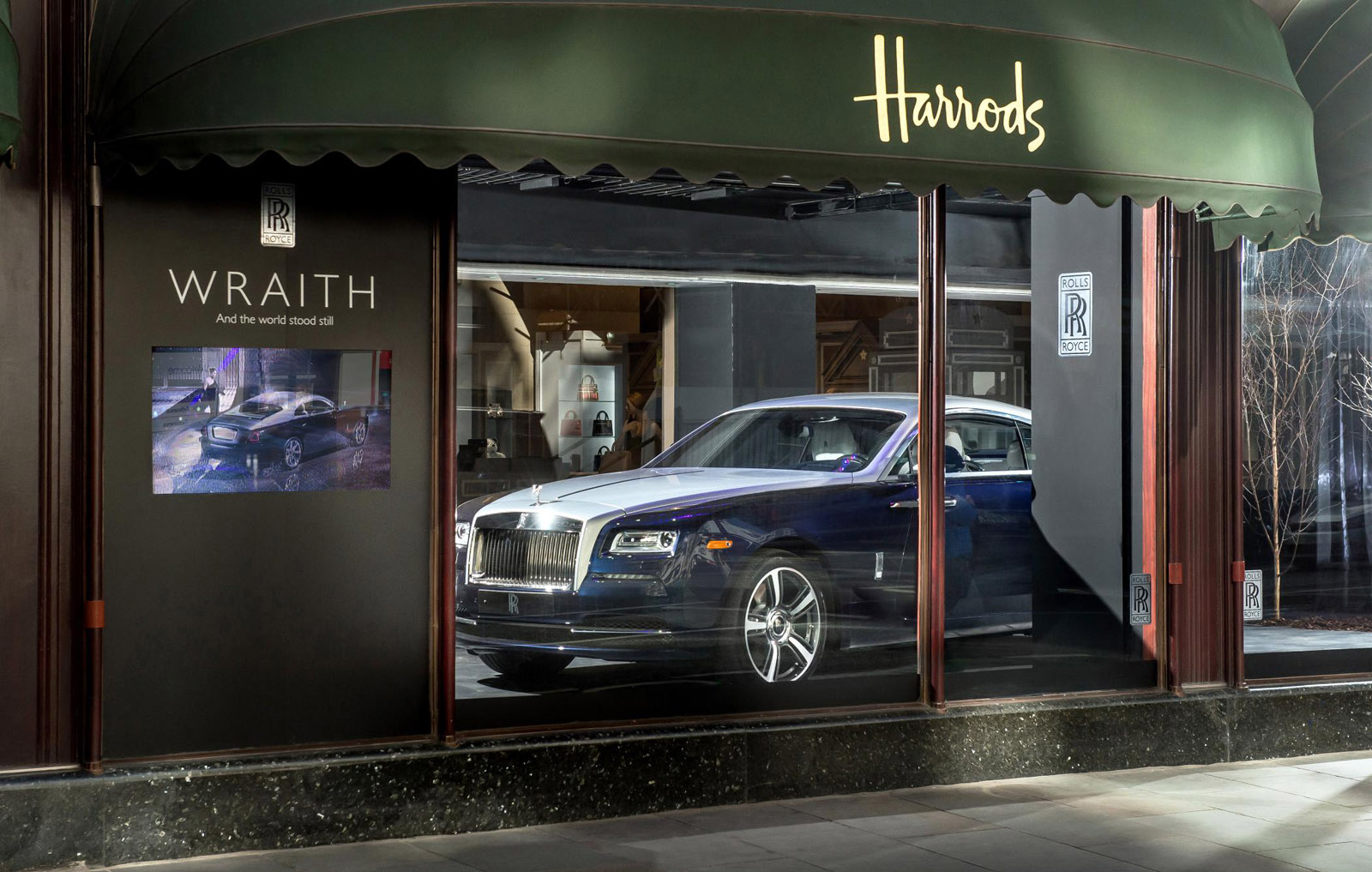 Rolls-Royce Wraith in Harrods window