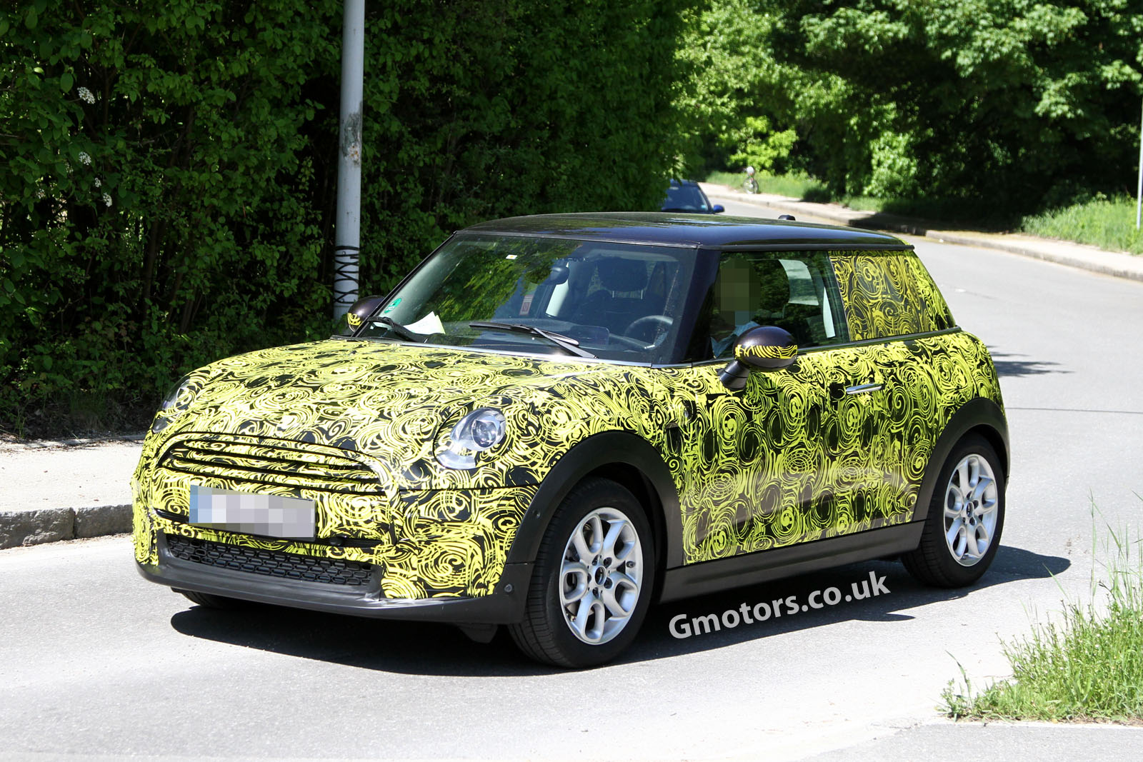 2014 mini cooper spied less disguised for South motors mini cooper