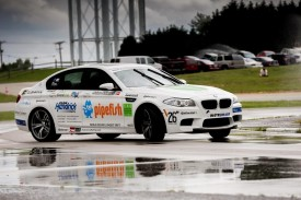BMW driving instructor sets Guinness record for longest drift with new M5 [videos]