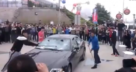 Man in China destroys his Maserati because he was angry with dealer [video]