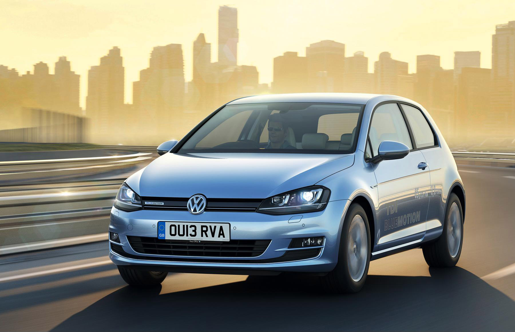Volkswagen Golf BlueMotion front