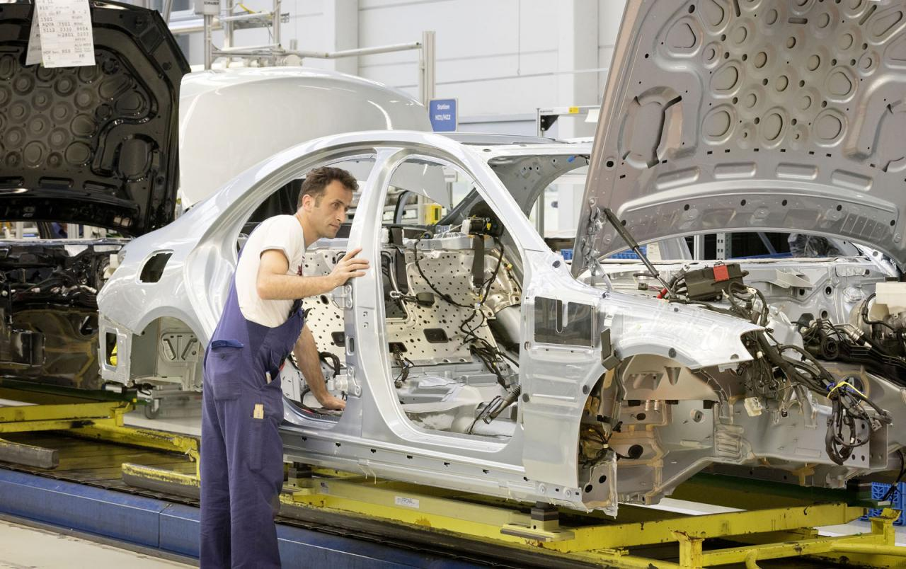 2014 Mercedes-Benz S-Class production at Sindelfingen