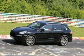 2015 Porsche Cayenne Facelift spied testing on the Nürburgring
