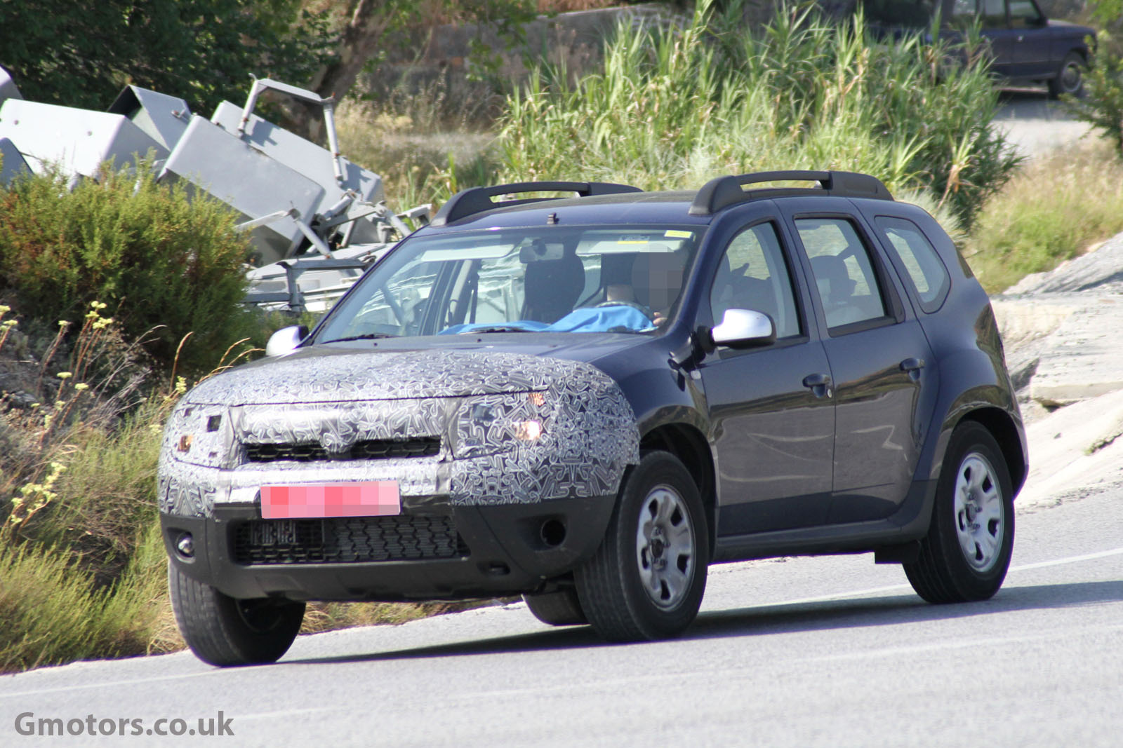 2012 - [Dacia] Duster restylé - Page 2 2014-Dacia-Duster-facelift-5