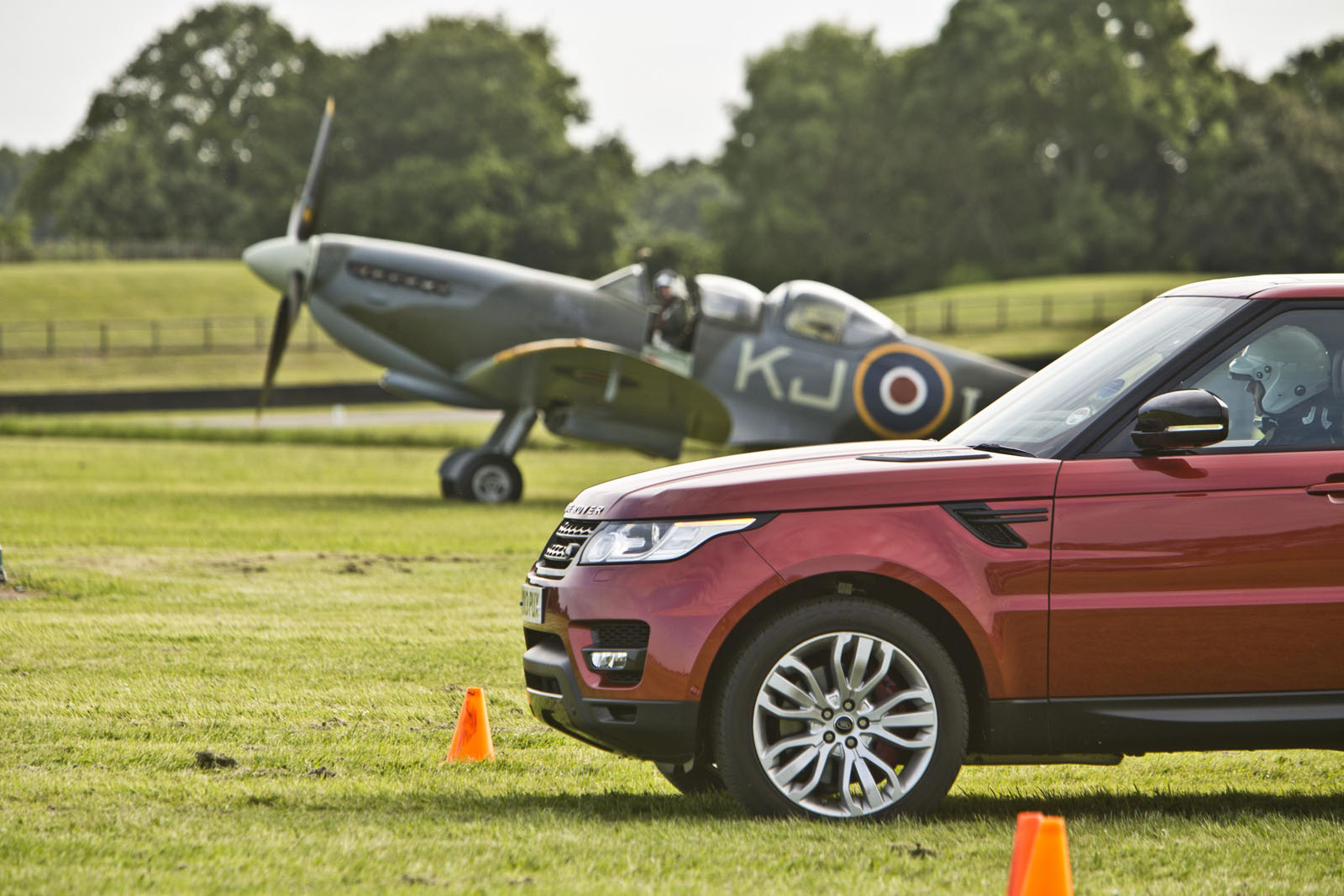 All-New Range Rover Sport Takes On Mighty Spitfire 5