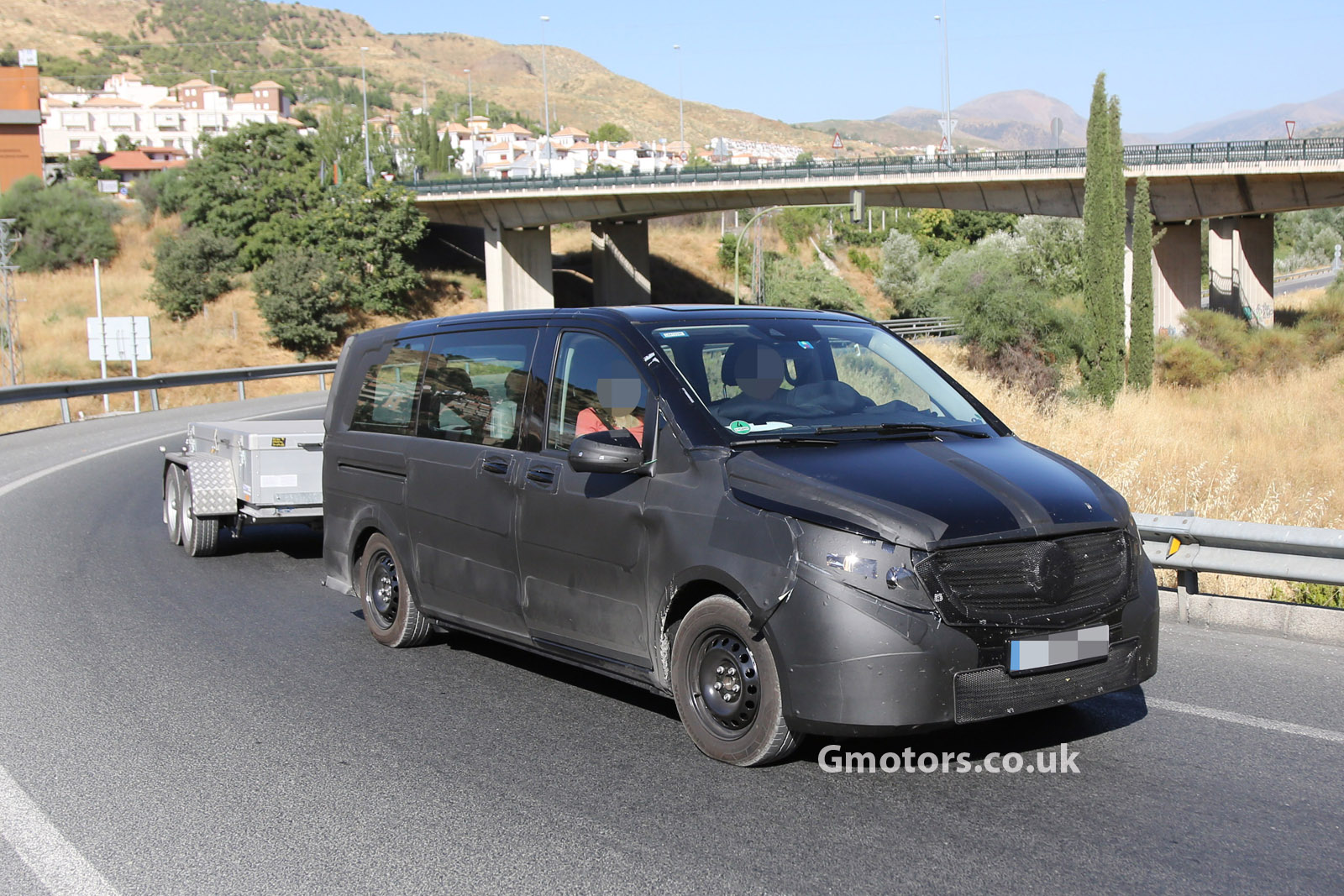 2014 mercedes viano caught testing in southern europe. Black Bedroom Furniture Sets. Home Design Ideas