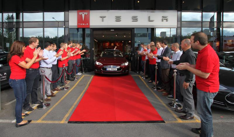 First Tesla Model S delivered in Norway 2