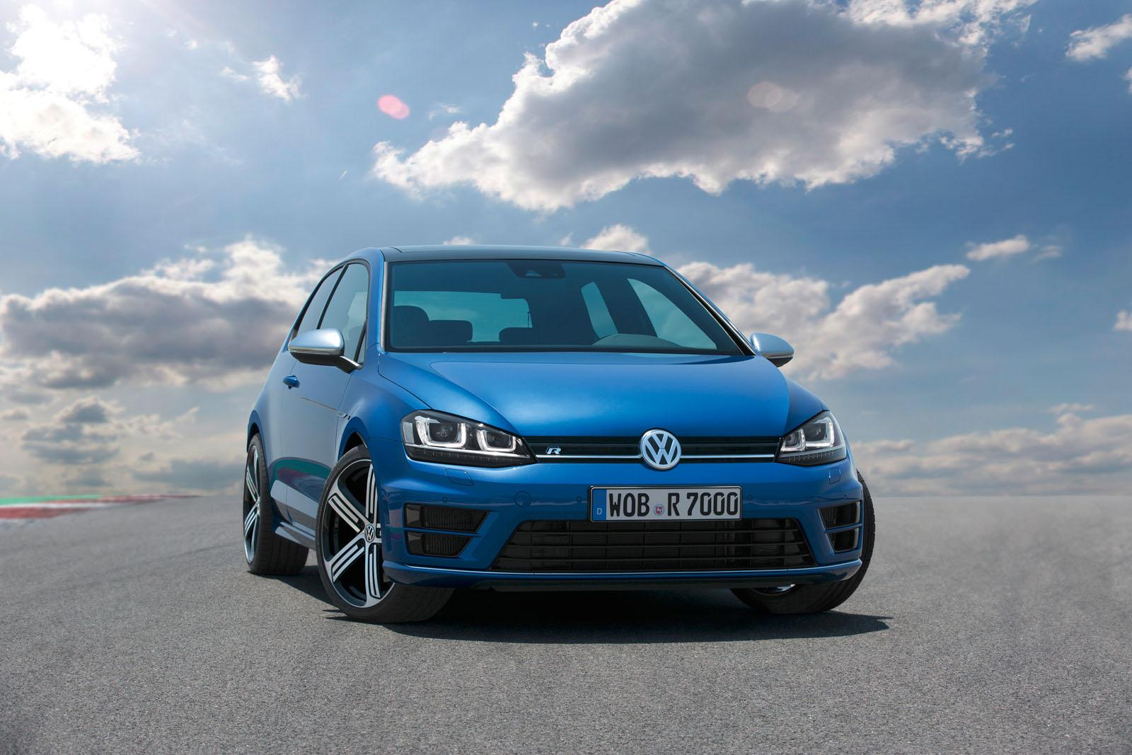 2014 Volkswagen Golf R 4
