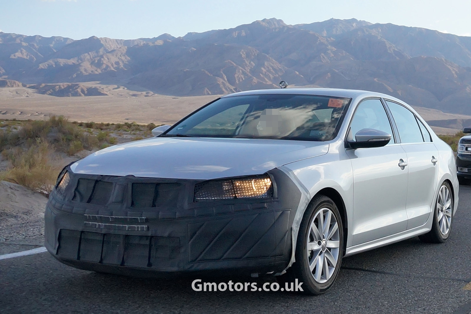 2014 volkswagen jetta facelift spied. Black Bedroom Furniture Sets. Home Design Ideas