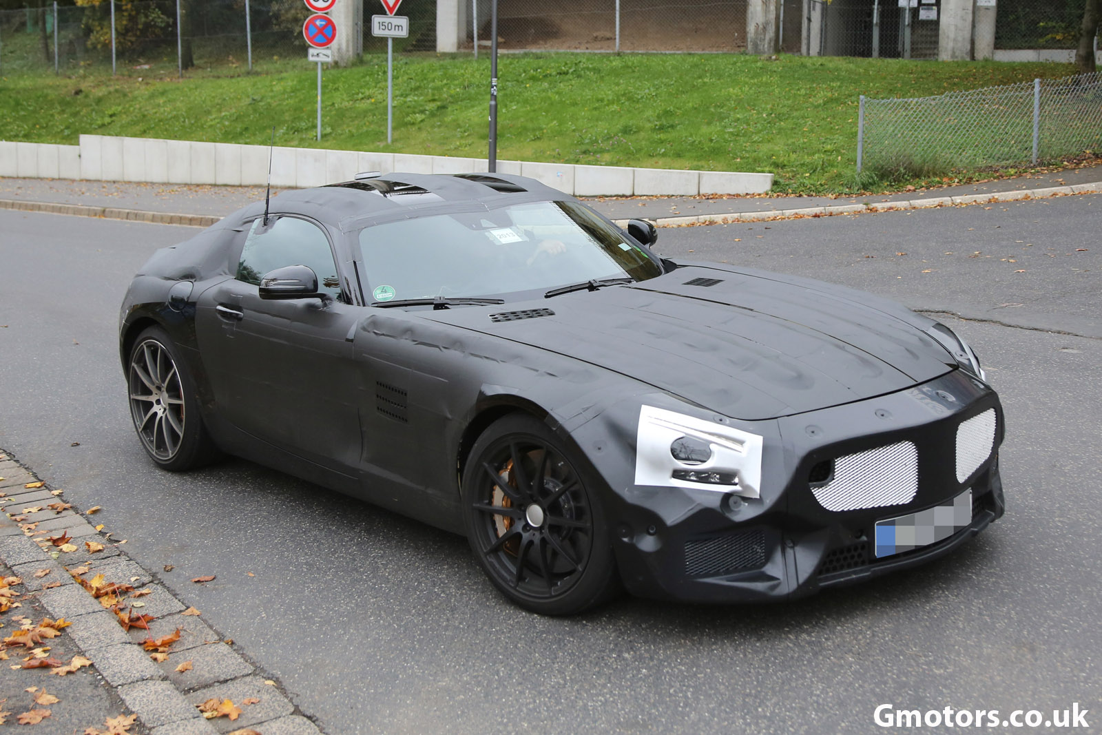 2014 - [Mercedes-AMG] GT [C190] - Page 3 2015-Mercedes-AMG-GT-15