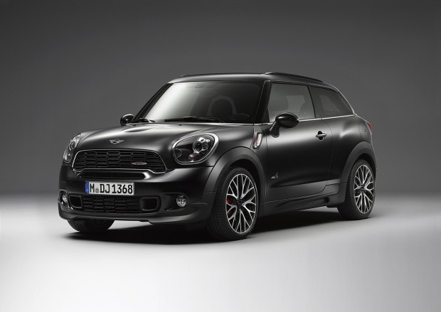 Frozen Black MINI John Cooper Works Paceman 11