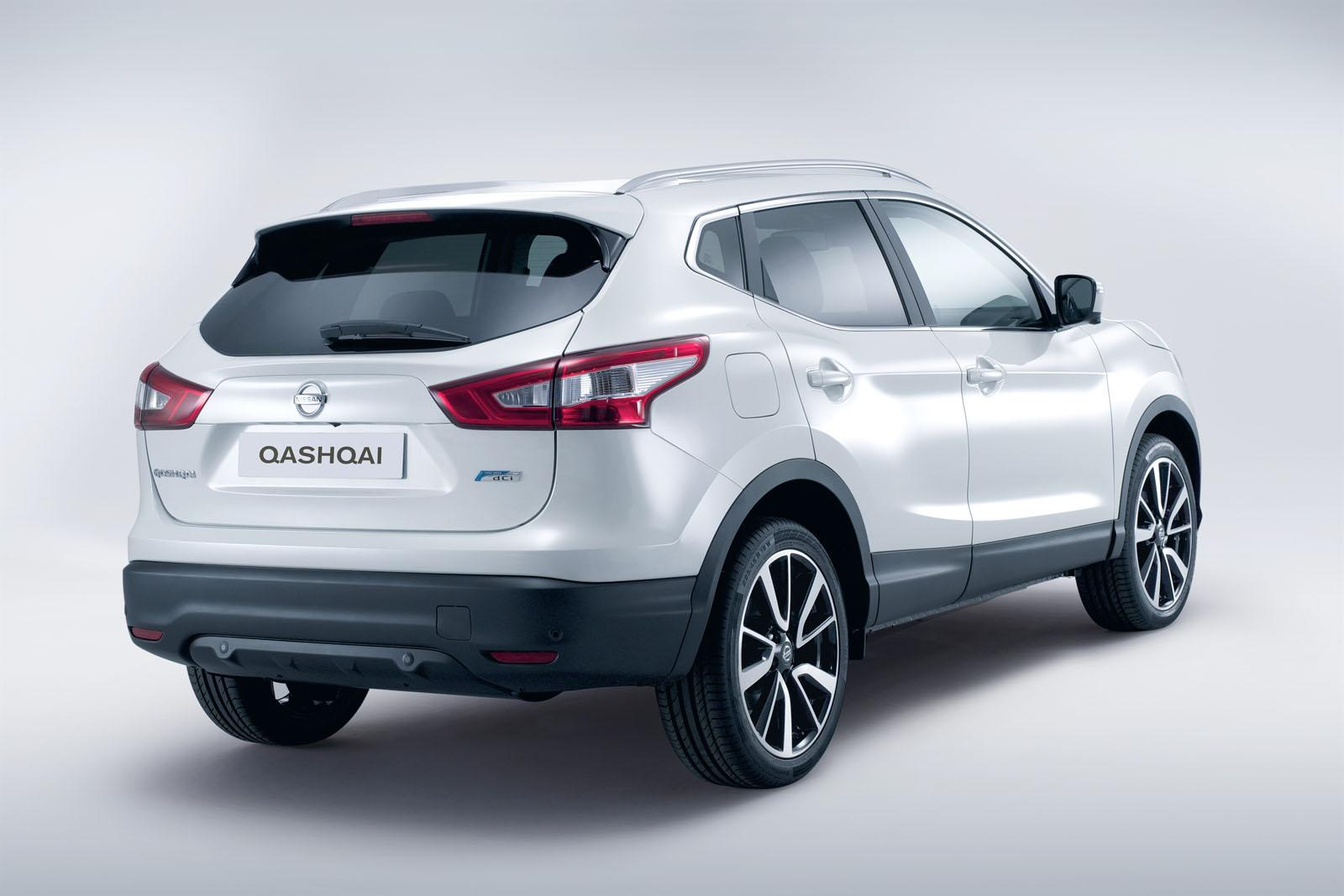 2014 nissan qashqai 4. Black Bedroom Furniture Sets. Home Design Ideas