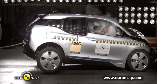BMW i3 crash test