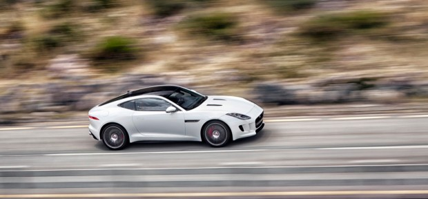 Jaguar F-Type Coupe R 5