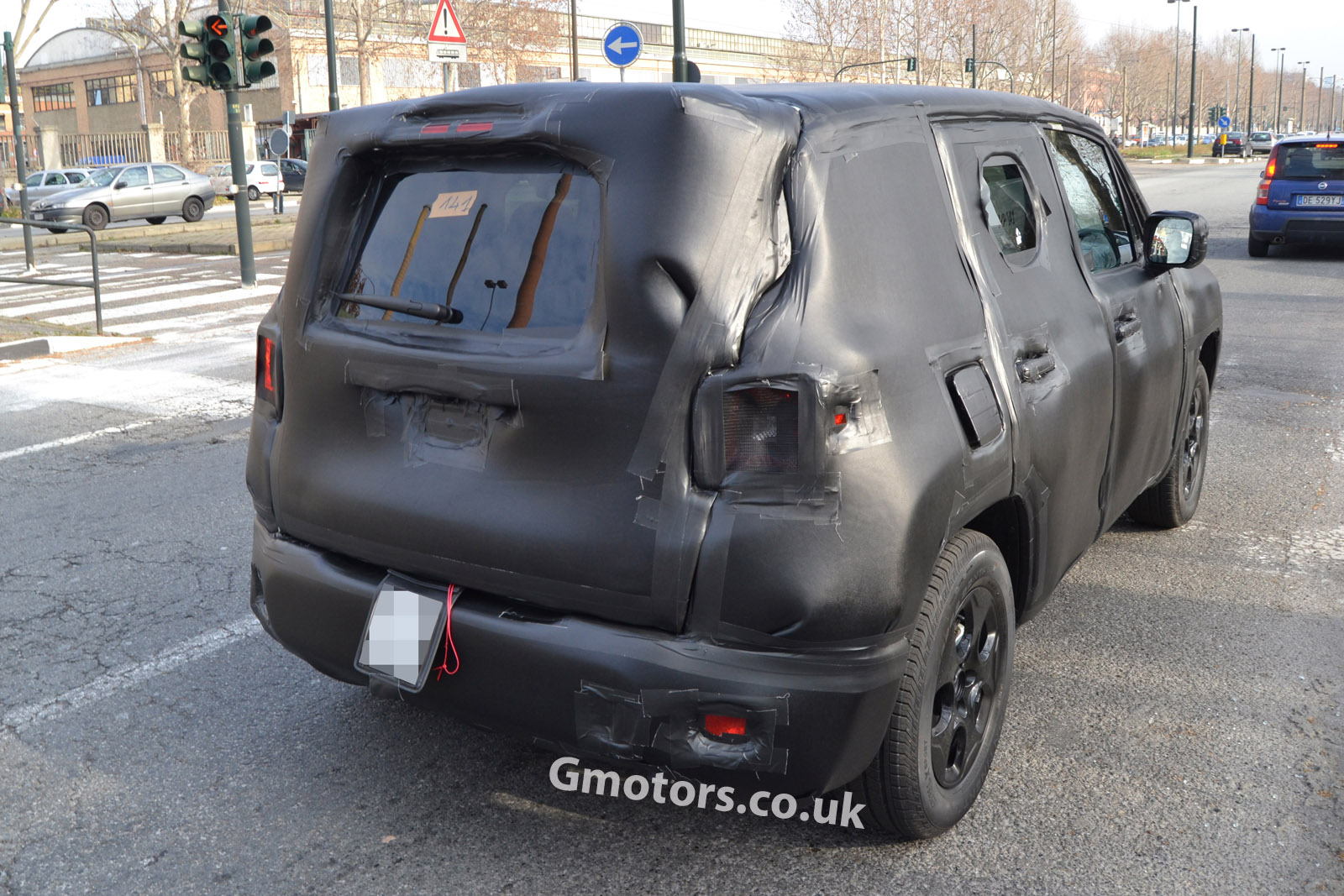 2014 - [Jeep] Renegade - Page 3 2015-Jeep-Jeepster-crossover-9